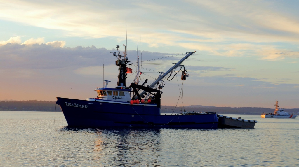 Commercial fishing photo of the day f v lisa marie for Alaska fishing boats